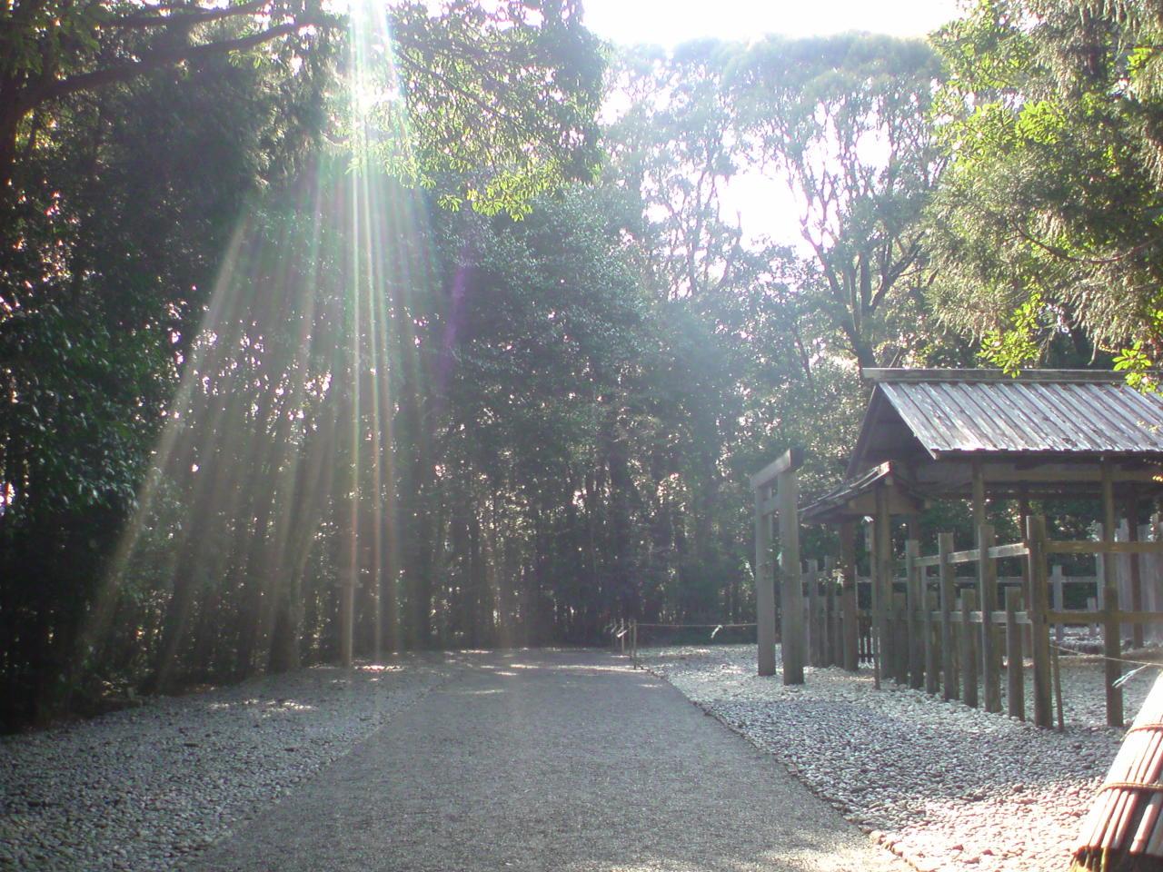 伊勢神宮にお参りに行って来ました。